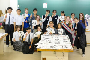 留学生を招いてシンポジウムを行いました。